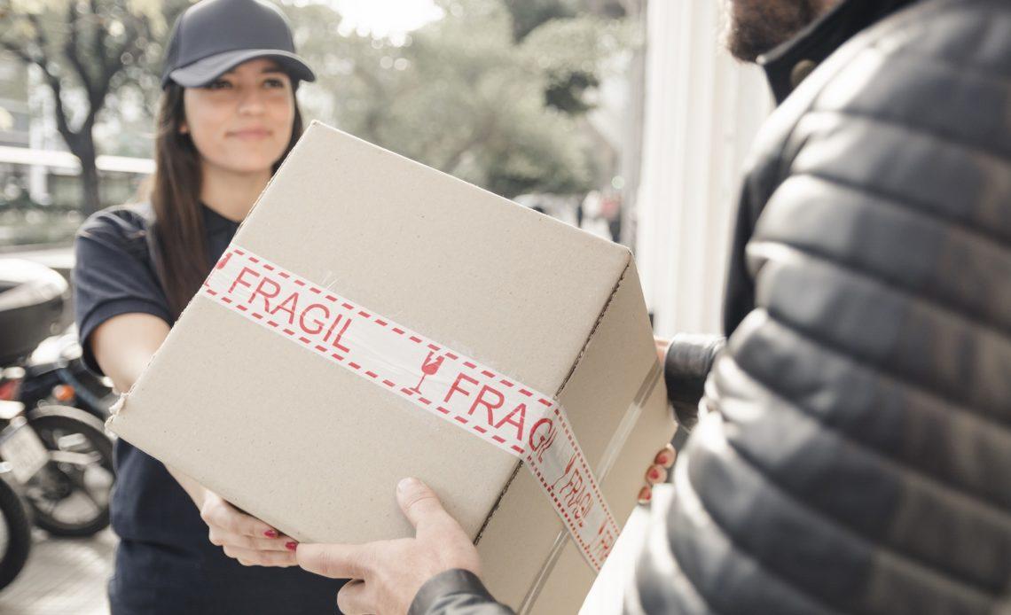 jak chronić przesyłki kurierskie przed uszkodzeniem